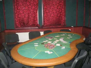 В одному з райцентрів на Тернопільщині виявили підпильний покер-клуб