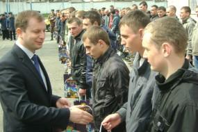 На строкову службу з Тернопільщини уже призвали понад сто юнаків