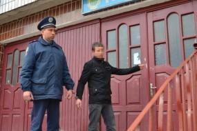 Серійного магазинного крадія затримали на Тернопільщині