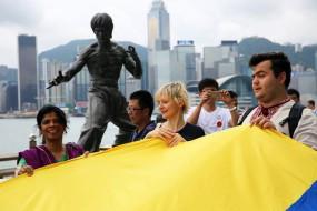 Українці Гонконгу провели мегамарш у вишиванках
