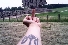 За зневагу до пам'ятника загиблим українського студента відрахували з навчання у Польщі