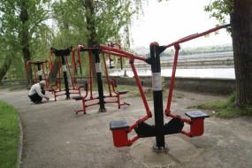 В «Парку Здоров'я» встановлять тренажери під відкритим небом