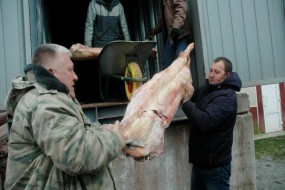 """Новини від групи """"Схід та Захід єдині"""": готуємось на 21-й рейд і заготовляємо м'ясо для тушонок"""