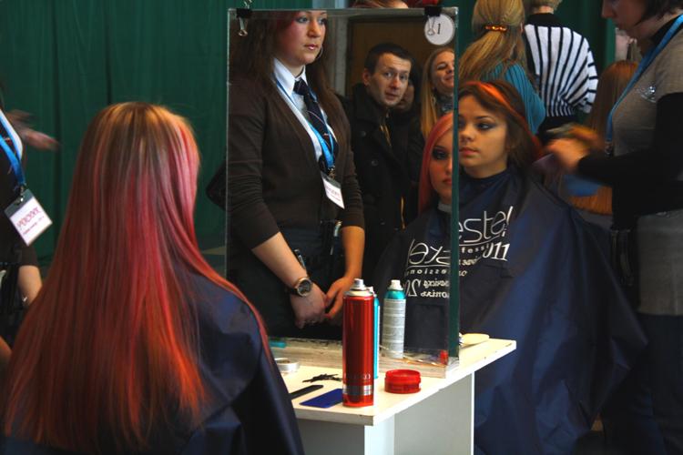 Чарівна зачіска-2011″: свіжі ідеї, феєрія кольорів та творчий хаос