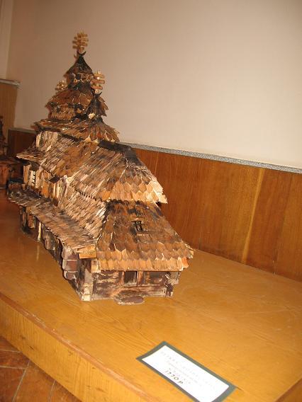 Макети 26 уже знищених дерев'яних церков Західної України, у тому числі трьох із Тернопілля, можна побачити на виставці в обласному краєзнавчому музеї до Провідної неділі, 1 травня (фото)