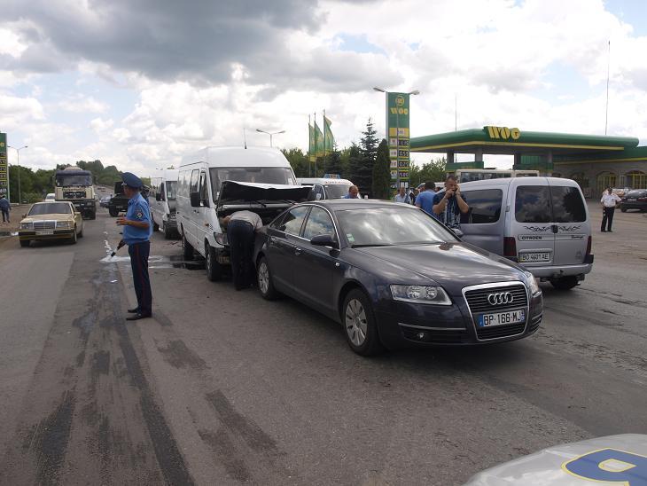 Фоторепортаж з страшної аварії у Тернополі