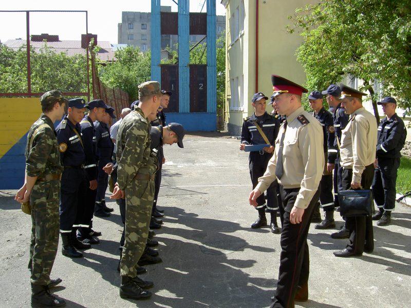 У Тернополі вчили на пожежників (фоторепортаж)