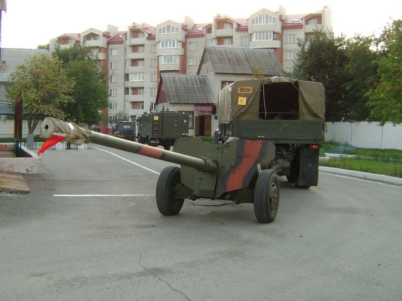 Тернопільські артилеристи успішно здійснили 210-ти кілометровий марш на Рівненський загальновійськовий полігон, для підготовки до навчань «Адекватне реагування-2011»