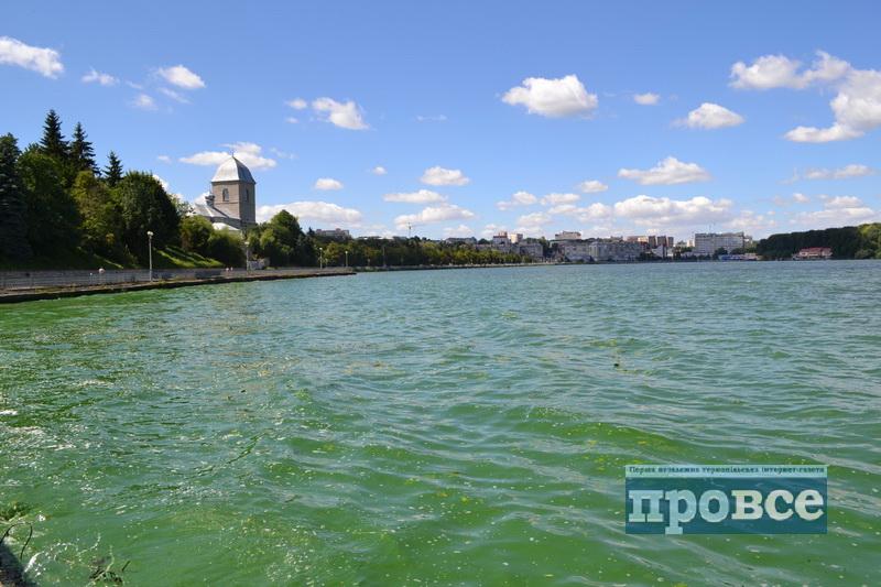 На тернопільському озері втопилась дівчина