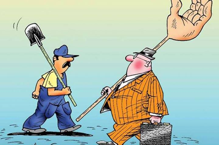Чиновник, якого впіймали з хабарем, але не засудили, вимагав компенсувати зарплату
