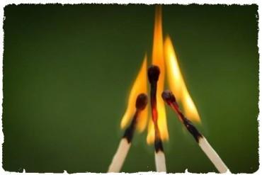 На Тернопільщині в один день згоріло двоє курців