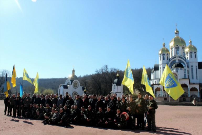 Самооборона Тернопільщини вшанувала пам'ять Небесної Сотні на прощі в Зарваниці