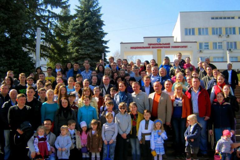 У Тернополі висадили алею пам'яті Героїв «Небесної сотні»