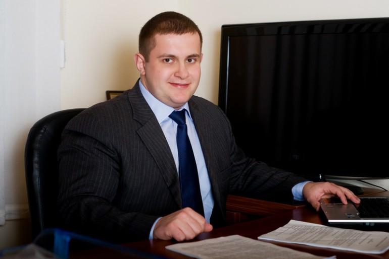Головний тернопільський Баранов з Партії Регіонів захистився, але не відбілився