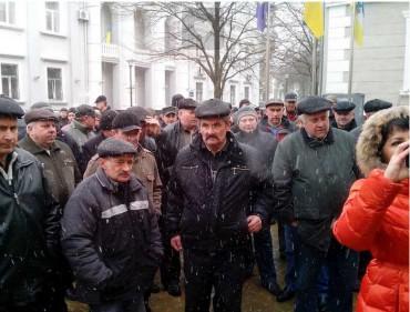 Міську раду Тернополя знову пікетують