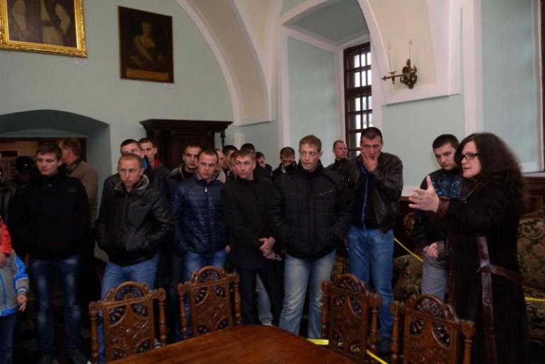 """Свято-Успенську Почаївську Лавру та Збаразький замок відвідали моряки корвета """"Тернопіль"""""""