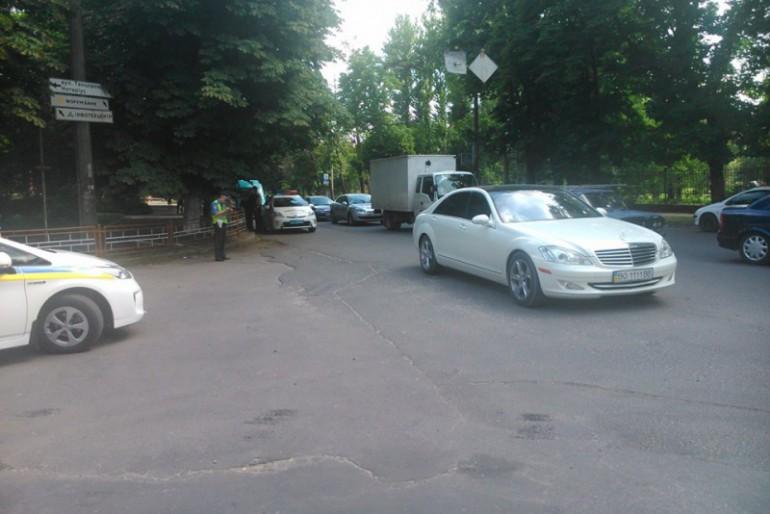 """Автомайданівці затримали нетверезого депутата """"свободівця"""""""