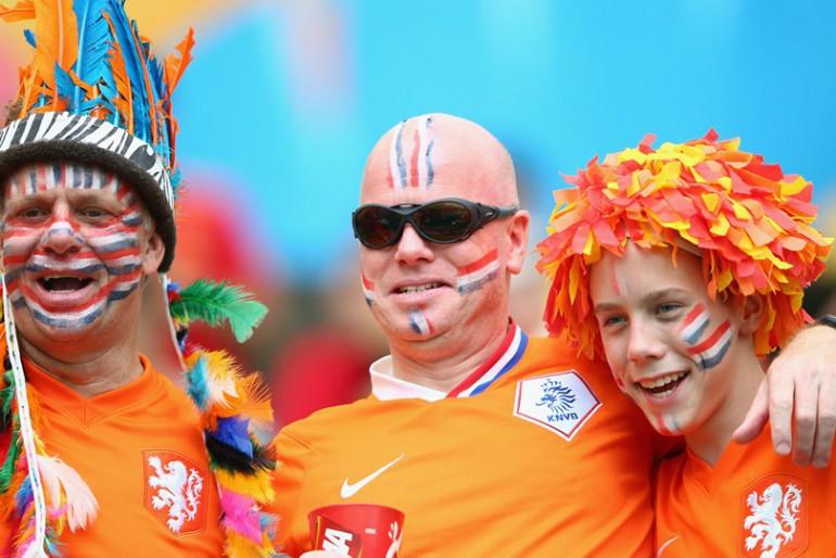 Нідерланди-Іспанія: чемпіони світу і Європи в глибокому нокауті