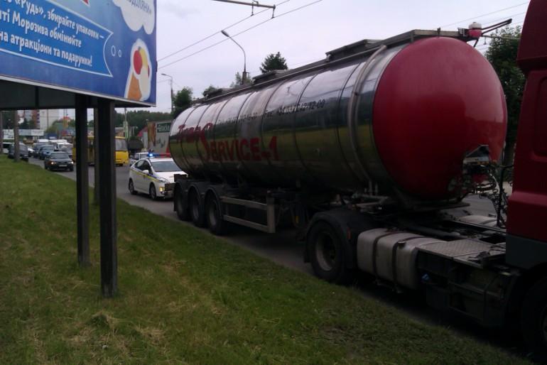 """Гонка з переслідуванням, або Як """"Автомайдан"""" допомагав затримувати машину «Транс-Сервіс-1»"""