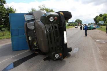У селищі Дружба Теребовлянського району зіткнулись вантажівка та легковик
