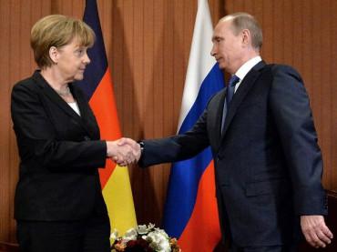 Меркель і Путін ведуть секретні переговори щодо України