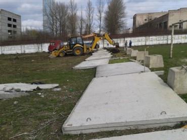 Батьки голови Державної фіскальної служби України забудують стадіон у Тернополі