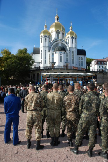 У Зарваниці відбудеться Всеукраїнське військове паломництво