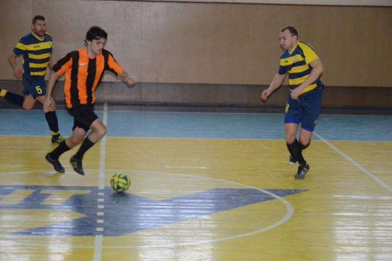Тернопільська Вища футзальна ліга: Агрон-Королівський смак — одноосібний лідер