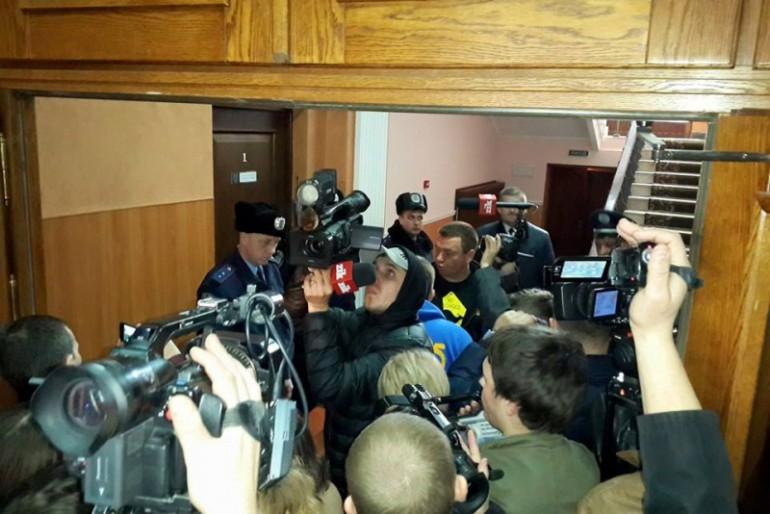 Прокурор Тернопільської області Гулкевич втік від людей