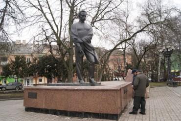 Незабаром будуть ремонтувати пам'ятник Іванові Франку у Тернополі