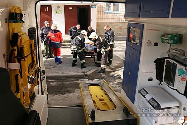 Рятувальники надали допомогу працівникам швидкої медичної допомоги
