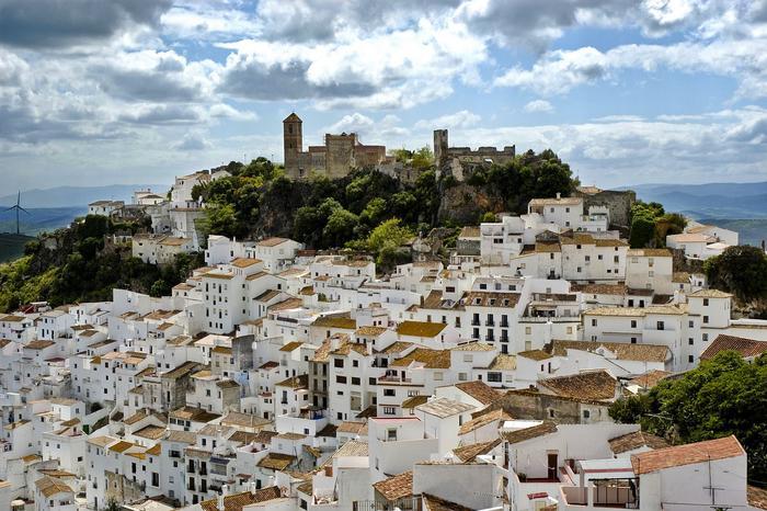 Город, в котором зарплата 1200 евро