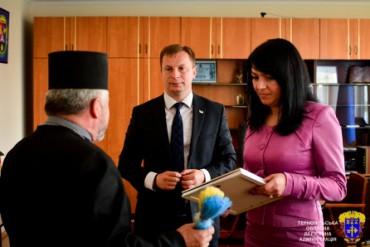 На Борщівщині шоковані призначенням керівником району члена Партії Регіонів
