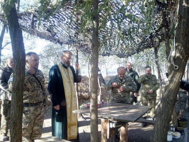 Священники Тернопільщини на передовій в АТО допомагають нашим хлопцям