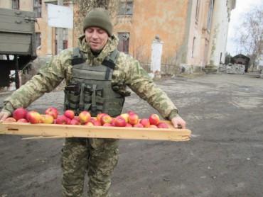 Ризиковані марші 21-го рейду на Донбас у день волонтера