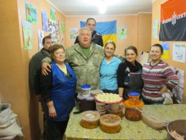 Підготовка до 22-го рейду: вареники і випічка для бійців АТО