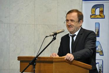 Як колишній мер Тернополя на посаді першого заступника міністра нищить громади