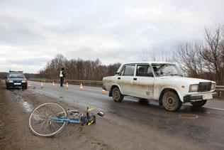 Таксист збив 61-річного велосипедиста в Гаях Шевченківських
