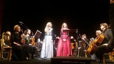 """Сестри Тельнюк присвятили пісні """"Мені однаково"""" Надії Савченко, а """"Вір мені"""" – воїнам АТО"""