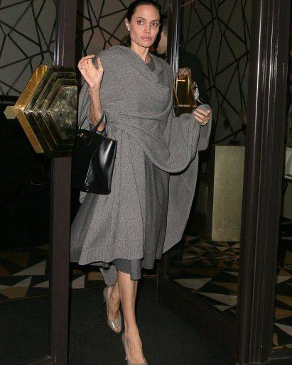 В сети появились новые фото изможденной Анджелины Джоли