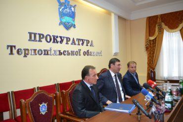 """Прокурори """"нагнули"""" комунальників з Коропця"""