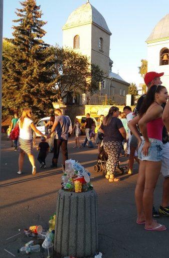 День міста Тернополя: три години без світла у купах сміття