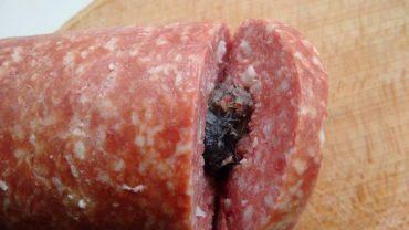 У ковбасі тернопільського м'ясокомбінату знайшли мишу