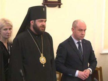 Казначей покійного митрополита Мефодія заступилася за архієпископа Тернопільського і Подільського Мстислава