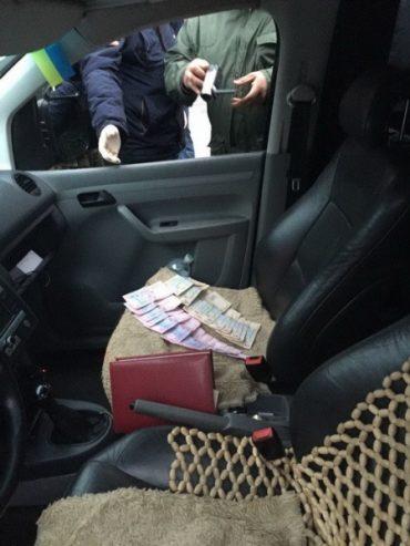 СБУ затримала на хабарі одного з керівників райвідділу поліції Кременця