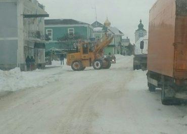 У Кременці комунальники халтурять під час розчистки міста від снігу