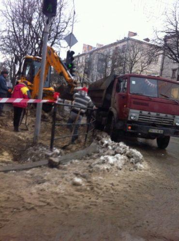 У центрі Тернополя й далі марнують бюджетні кошти
