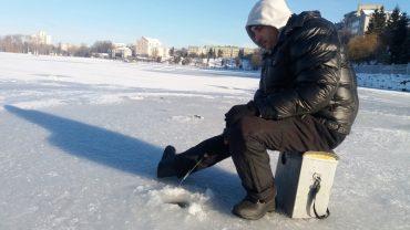 Любителі зимової риболовлі відкрили сезон у Тернополі