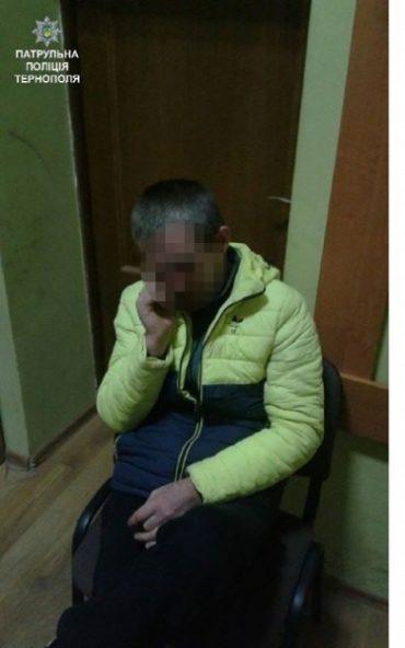 Патрульні затримали чоловіка, який, ймовірно, вкрав пшениці на 72 тисячі гривень