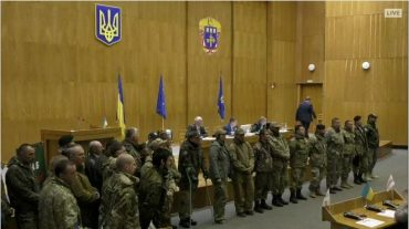 Вже більше 16 годин в Тернополі правлять заяву до Порошенка про засудження силового розгону